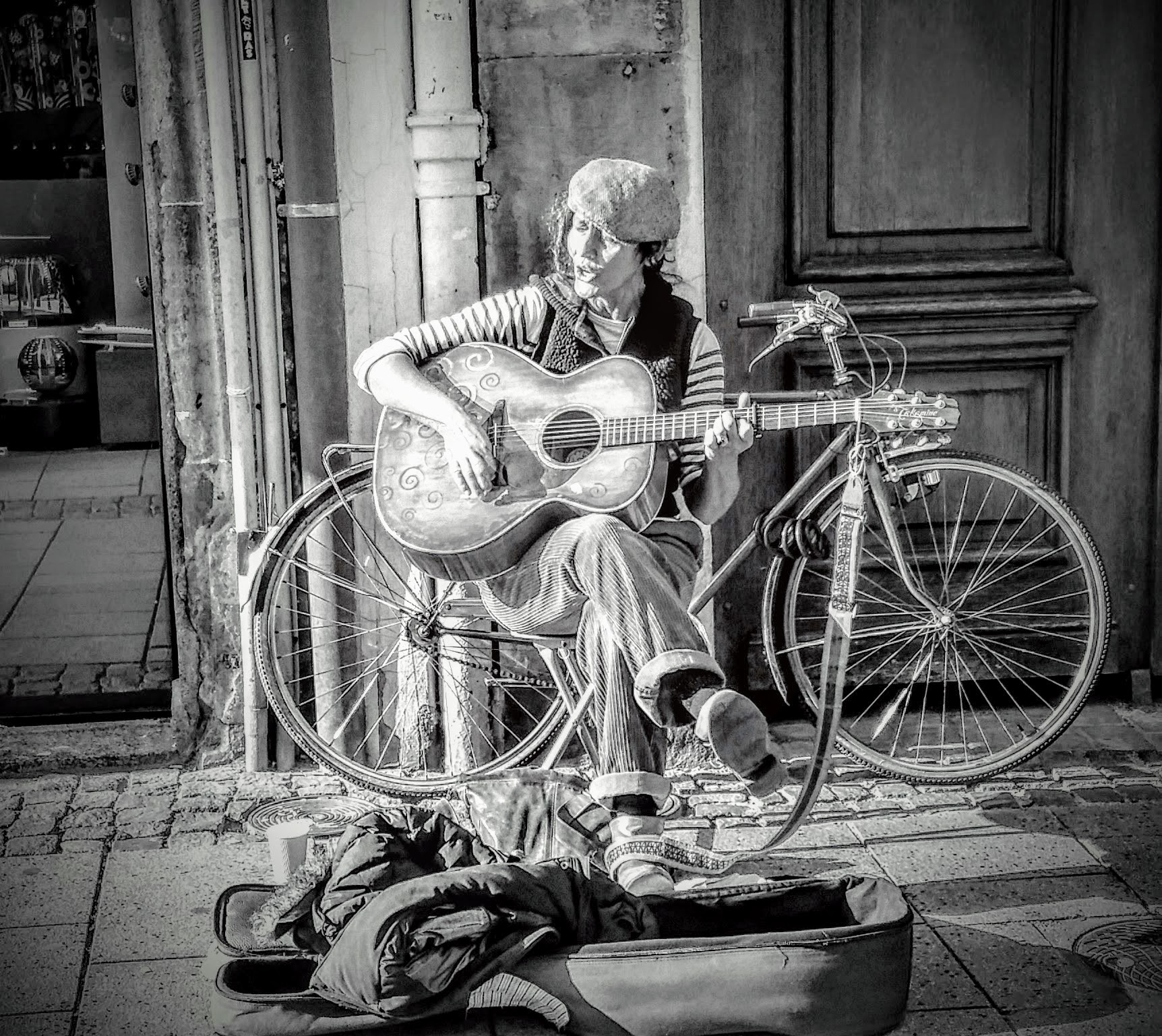 Foto Friday – Folk Music in Strasbourg – Simple Beauty