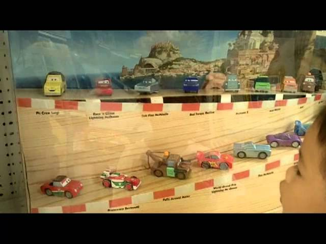 Cars 2 Wood Collection Car Showcase