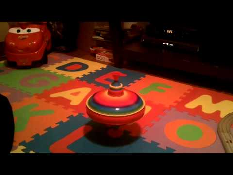 FAO Schwarz Humming Spinning Top