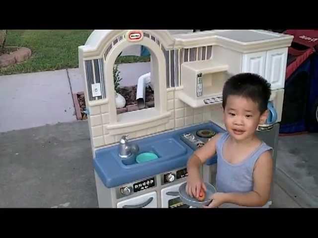 Little Tikes Kitchen Set (Review)