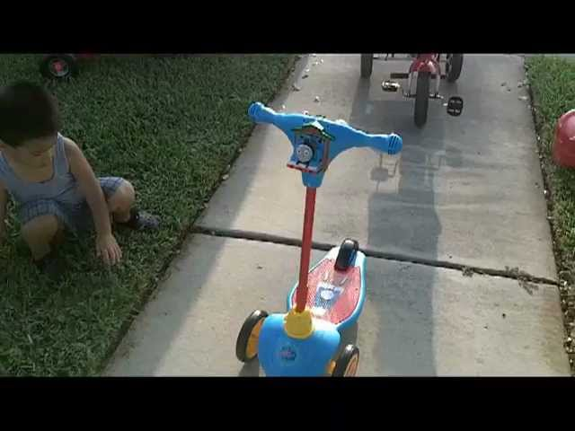 Thomas SCOOTER (KiddieLand) Review