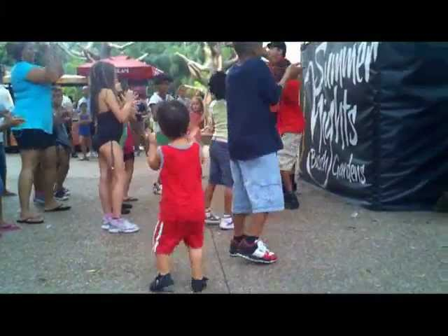 Dancing Toddler Two-Step – Line Dancing