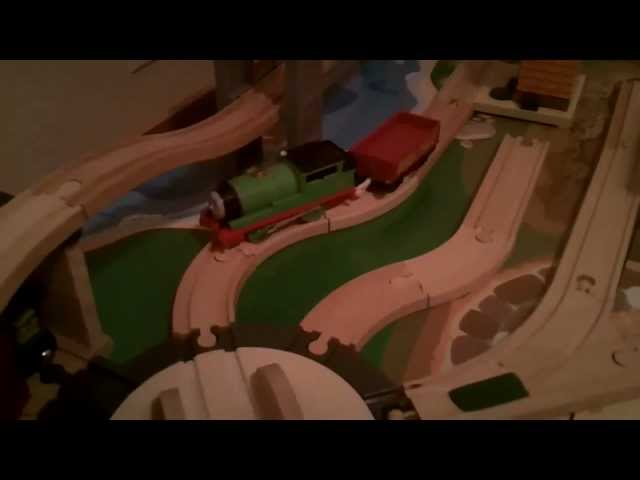 Thomas Trackmaster vs Wooden Trains What's Compatable?